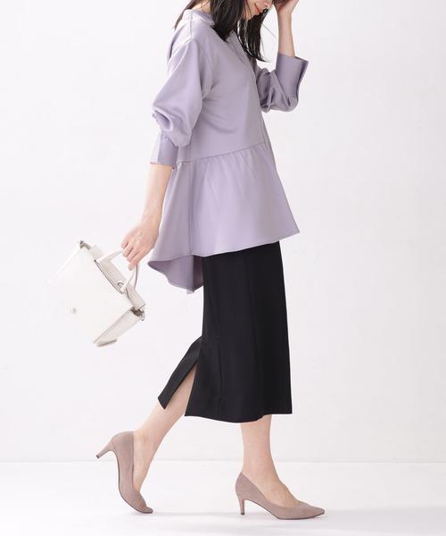薄紫ブラウス×黒タイトスカートの秋コーデ