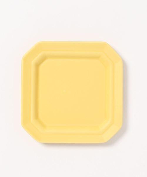 四角の小さなプレート