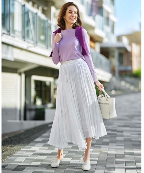袖ボタンニット×プリーツロングスカート