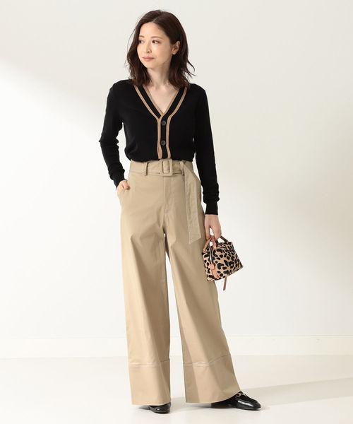 ラインカーデ×パンツの忘年会ファッション
