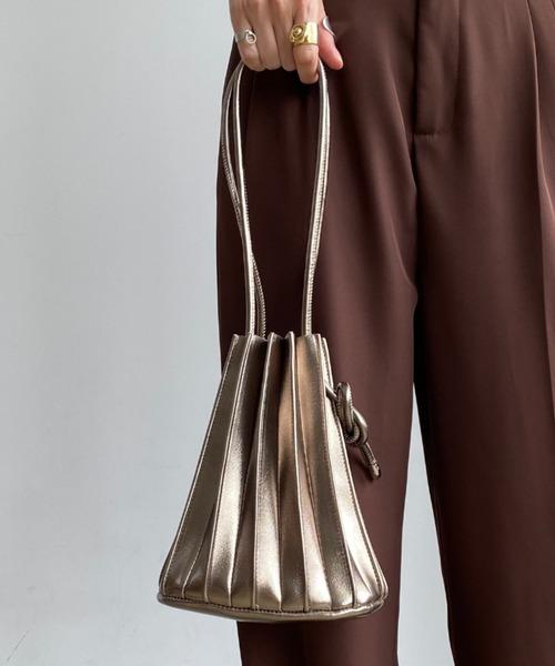 [Auntie Rosa] 【紐調節可能】レザープリーツ巾着カヌレバッグ