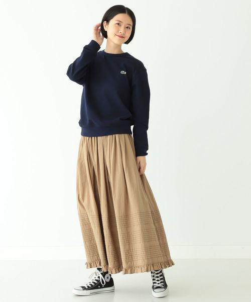 ベージュのロングスカート