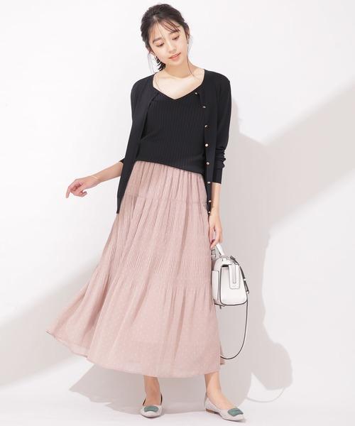 アンサンブル×スカートの服装