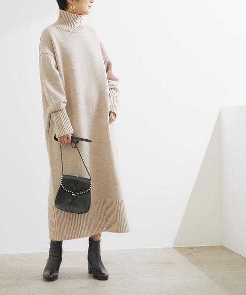 ロングニットワンピースの服装