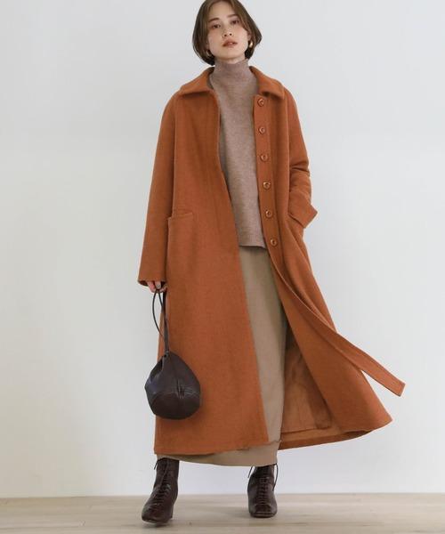 ロングコート×スカートの服装