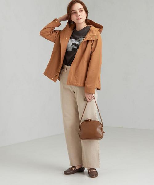 フードブルゾン×パンツの服装
