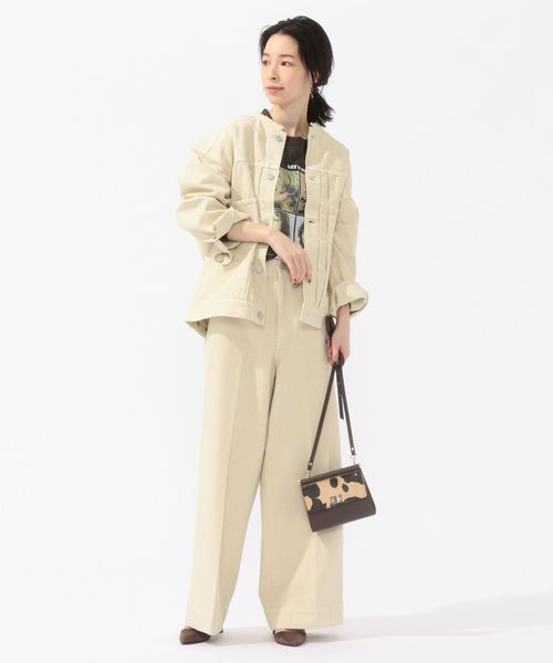 Gジャケット×ホワイト系パンツ