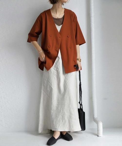 [antiqua] ジャケット ノーカラーでスッキリ見せ、上質素材が上品な着こなしを演出。