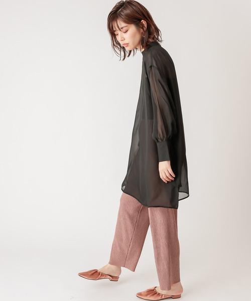 パンツで大人の秋ファッション