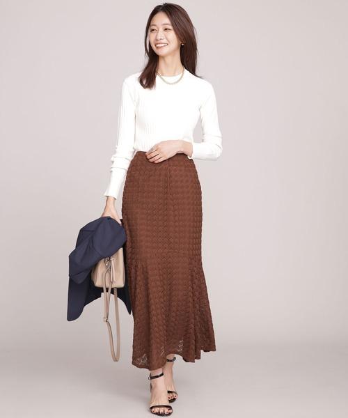 通勤やオフィスに◎スカートできれいめスタイル