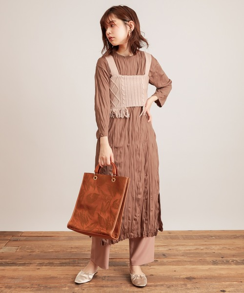 [natural couture] 【WEB限定カラー有り】クリンクルカットワンピース+フリンジニットビスチェセット