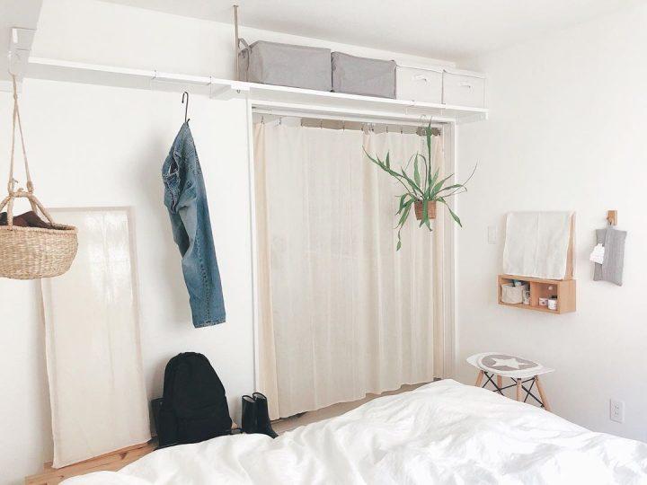 寝室の鏡が気になるときは布をかけて