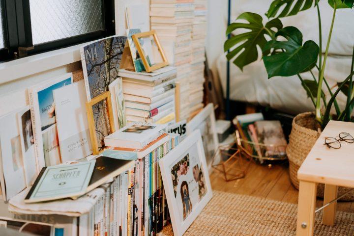 散らかっていた本棚を整理するvvvv