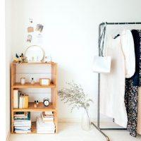 余白が大事。収納棚をおしゃれに魅せる「飾り棚」の作り方