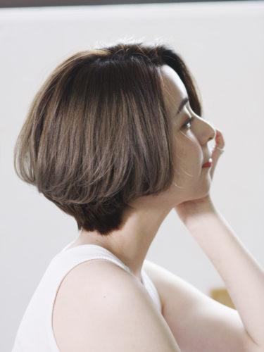 ひし形シルエットの前髪なしレイヤーボブ