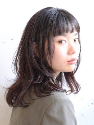 おすすめのミディアム×パーマ・暗髪&黒髪3