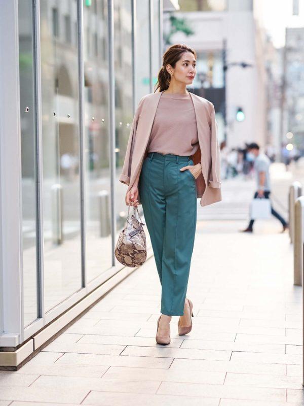 営業の女性に合う服装《パンツ》7