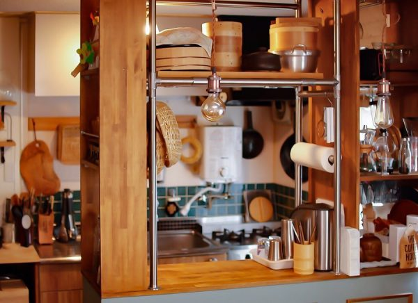 収納力抜群のキッチンカウンター