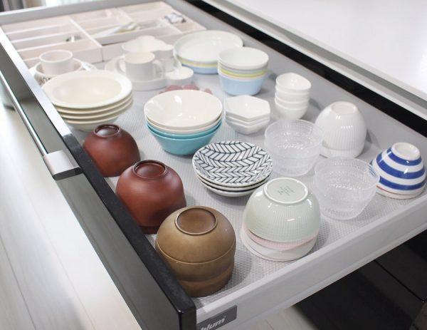 食器棚の引き出し収納《平置きアイデア》