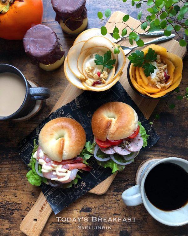 甘えびとソーセージのベーグルサンドイッチ