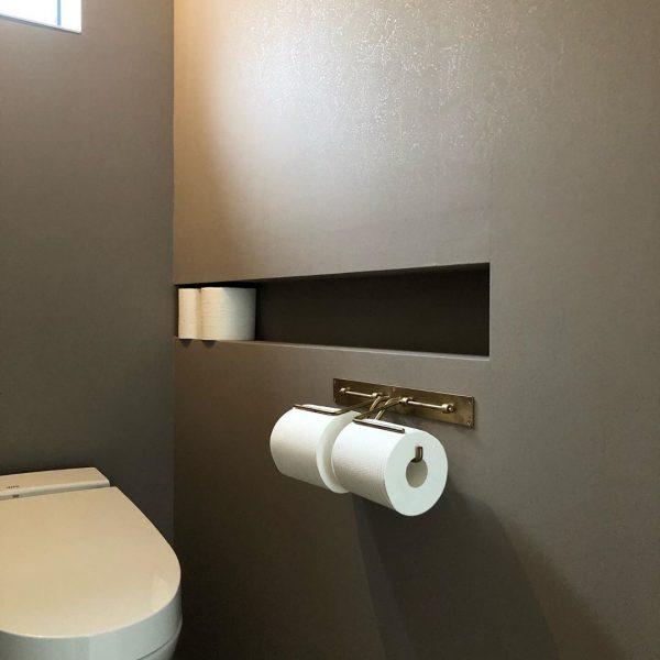ミニマルインテリアがおしゃれなトイレ
