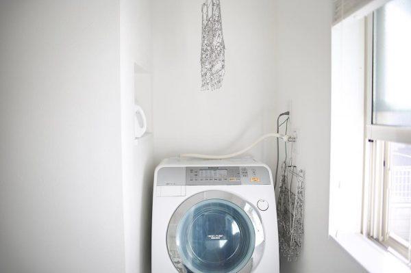 洗剤ボトルはニッチ収納で使いやすく