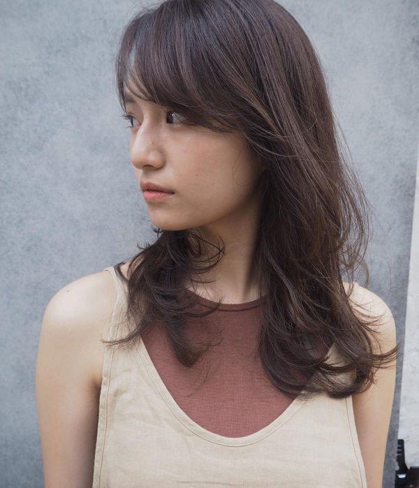 40代女性の髪型×パーマ【セミロング】3
