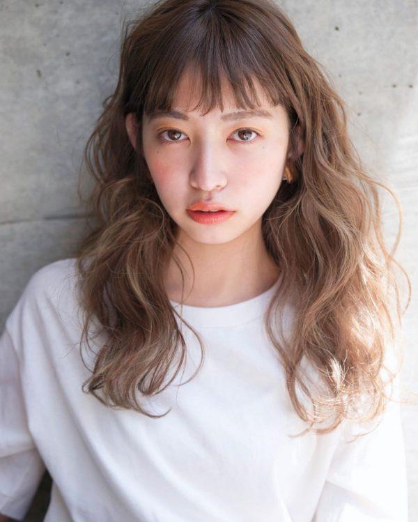 40代女性の髪型×パーマ【セミロング】2