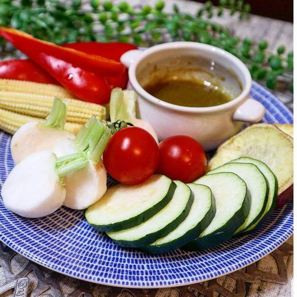 おしゃれな野菜だけレシピ!バーニャカウダ