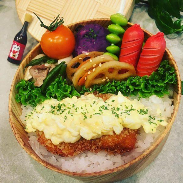 魚にもタルタル!サーモンフライ弁当