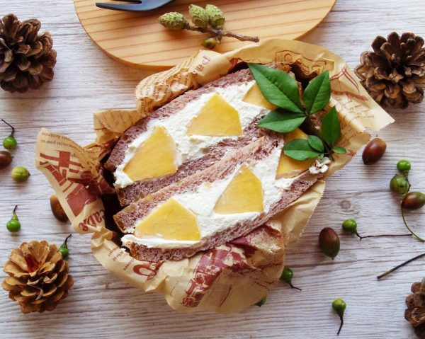 秋フルーツの簡単レシピ!柿のフルーツサンド