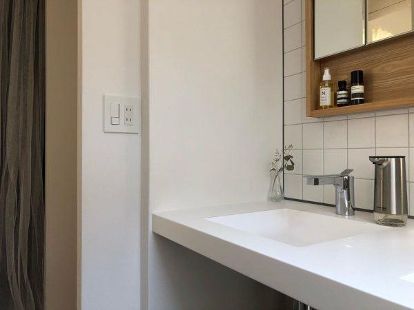 シンプル&スタイリッシュな洗面所