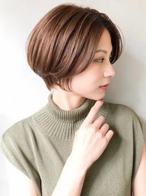 冬のショートヘア《前髪なし》3