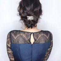 結婚式のお呼ばれヘアにおすすめのシニヨン特集!簡単なのに凝って見えるアレンジ♪