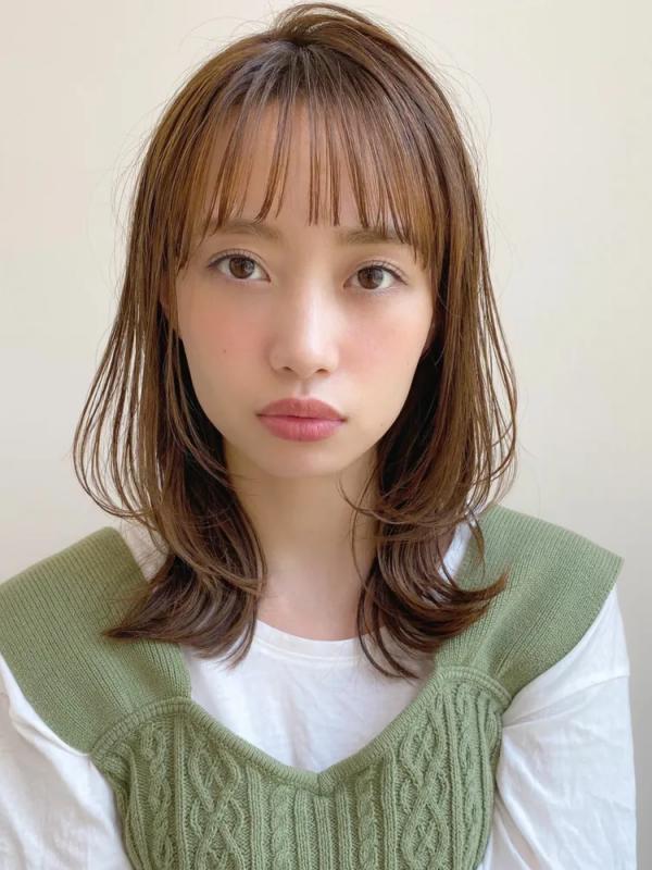 短め前髪×ミディアム4