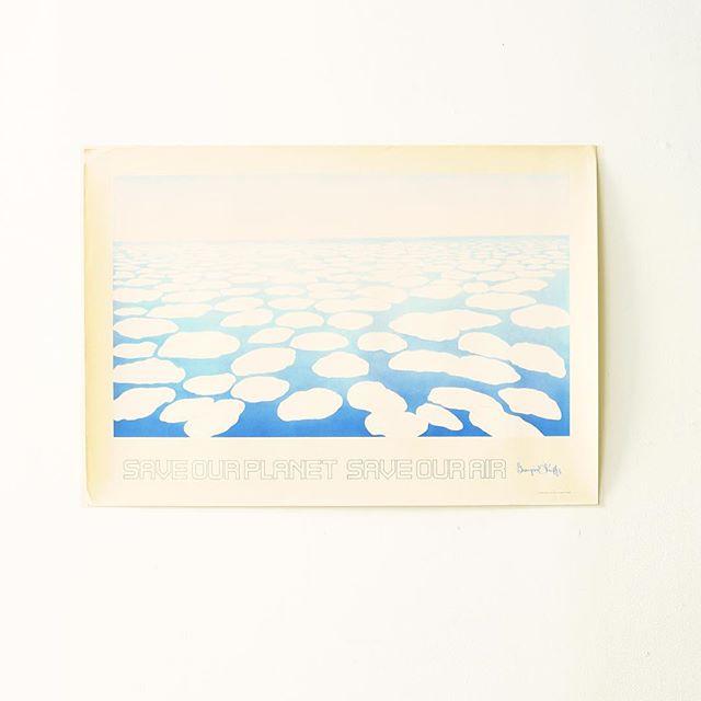 穏やかな水辺を描いた絵