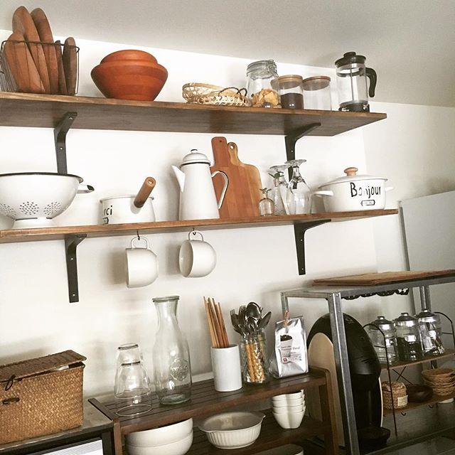壁上部を活かす簡単DIY食器棚のキッチン収納