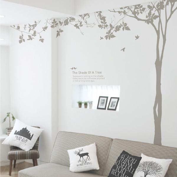 リビングの壁の飾り付けアイデア《ステッカー》