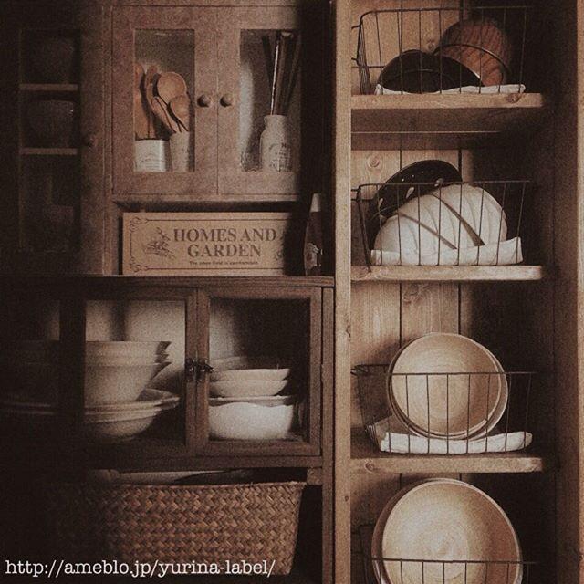 カゴを使う簡単DIY食器棚のキッチン収納