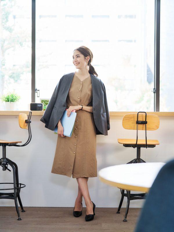 営業の女性に合う服装《ワンピ》3