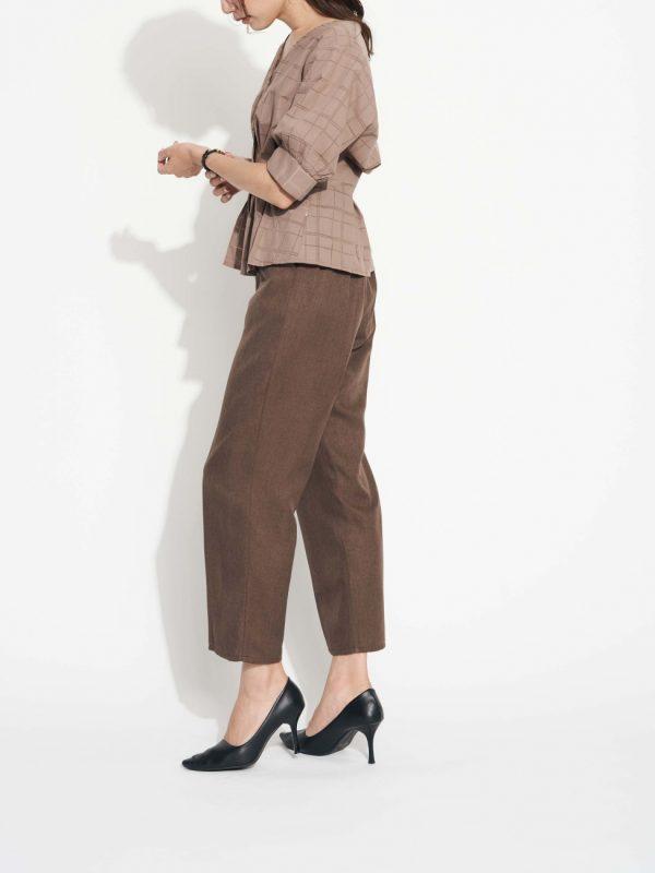 営業の女性に合う服装《パンツ》5
