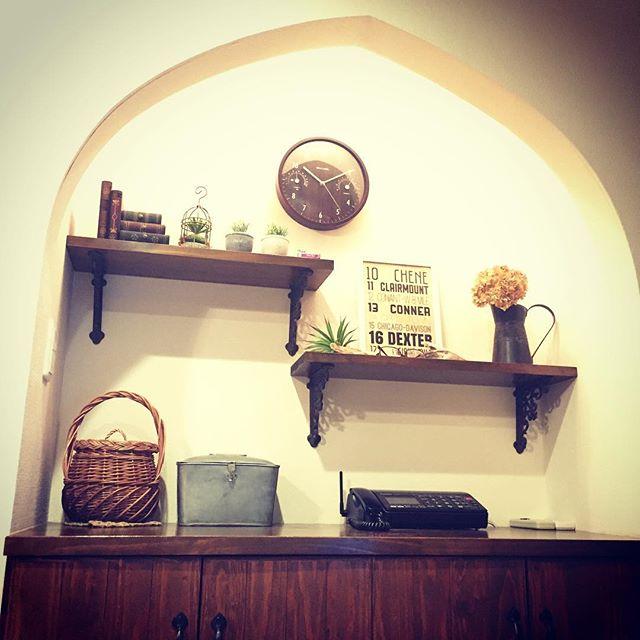 おしゃれ玄関ニッチの飾り方《壁の工夫》3