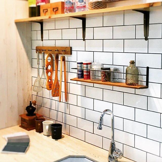 賃貸もOKの壁を使ったキッチンDIY