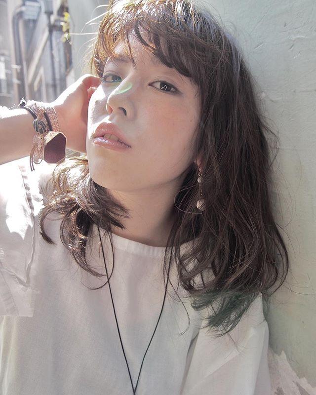 色っぽいミディアムの髪型【パーマ】