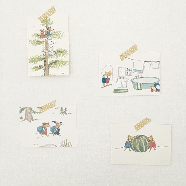 絵本のポストカードの飾り方
