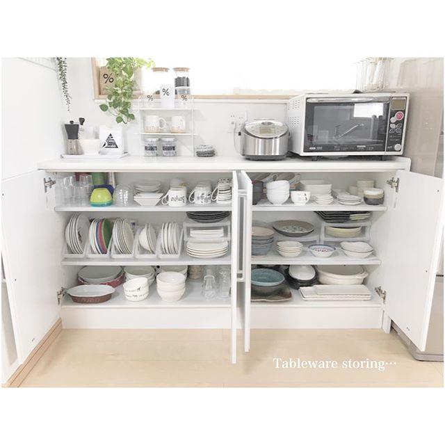 シンプルで清潔キッチンのマストカラー「白」