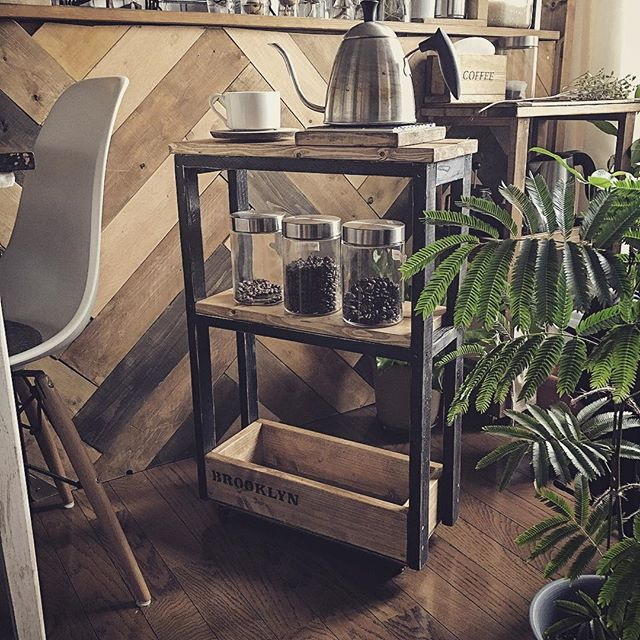 キッチンワゴンをコーヒースタンドに