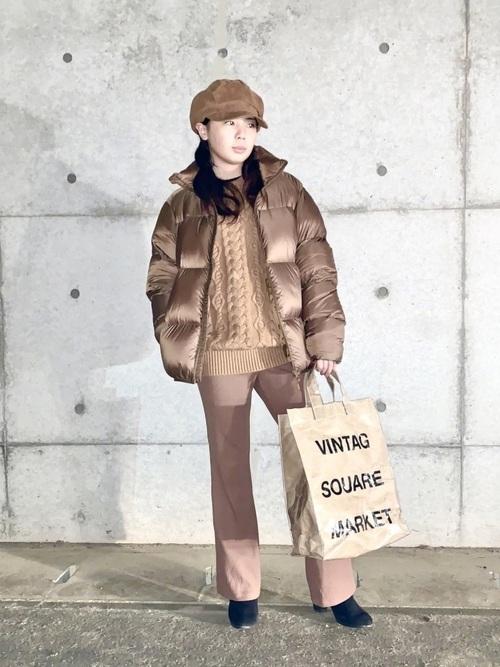 ウルトラライトダウン×茶色パンツの冬コーデ