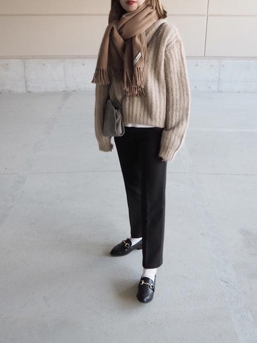 大人女子の冬のデートコーデ パンツ