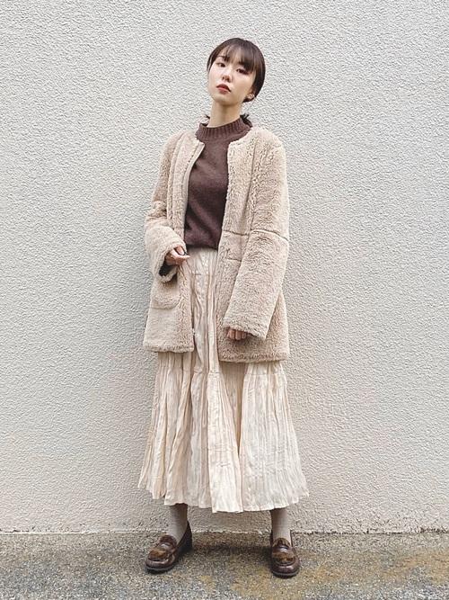 大人に合う冬の茶色ローファーコーデ《羽織もの有り》